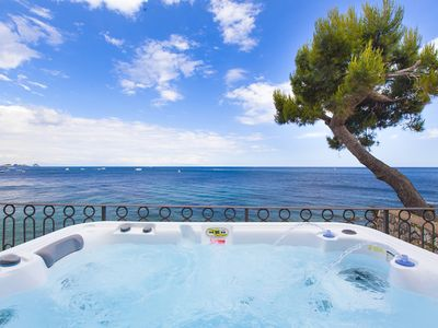 Photo for Villa Giovanna with Terraces, Jacuzzi, Sea View and Direct Sea Access