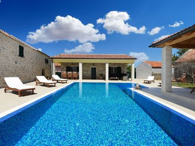 Photo for Beautiful Villa Petra with Summer Kitchen and Pool