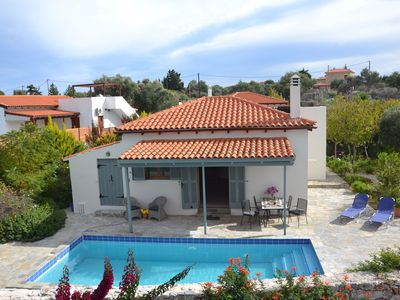 Photo for Peaceful villa with private pool and mountain views