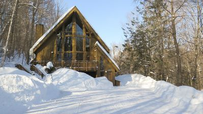 Chalet with LOTS of fresh snow and plenty of parking