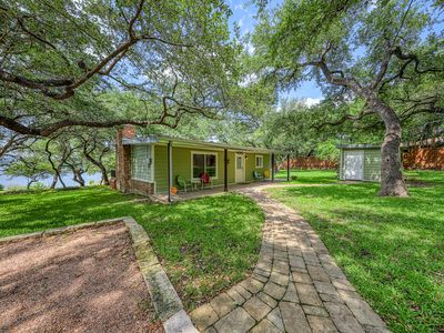 Photo for Beautiful lakefront home w/outdoor fire, patio & Netflix streaming