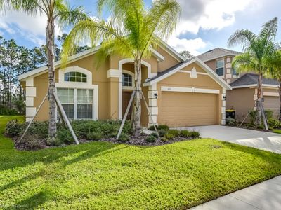 Photo for Budget Getaway - Watersong - Welcome To Spacious 4 Beds 3 Baths  Pool Villa - 9 Miles To Disney