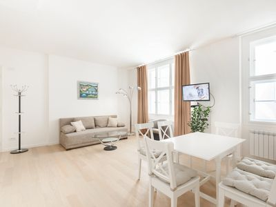 Photo for Spacious Modern 2BDR Apartment in the Old Town