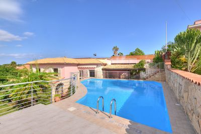 Detached house with private pool for the sole use of the guests.