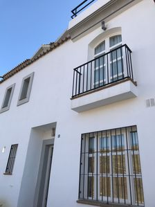 Photo for A townhouse that sleeps 6 guests  in 3 bedrooms