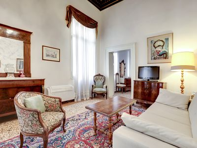 Photo for Venice, Cannaregio, apartment for 4 equipped with every comfort