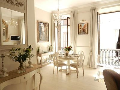 Photo for Beautiful luxury 1 bedroom apartment in the hart of the city center.