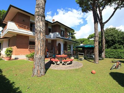 Photo for Vacation home Marcella  in Forte dei Marmi, Versilia, Lunigiana and sourroundings - 9 persons, 5 bedrooms