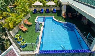 Luxury 4 Bed Pool Villa with Chef