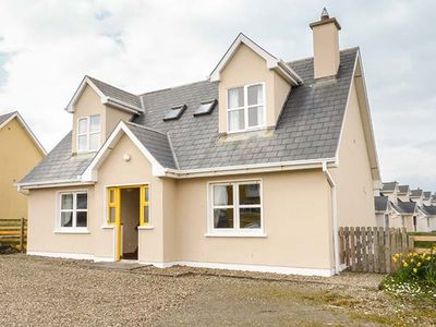 Photo for BONNIE DOON, pet friendly in Kilkee, County Clare, Ref 936315