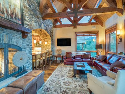 Photo for 5 bedroom, 5 bath high-end home with gourmet kitchen & 5 fireplaces. Quick walk to the slopes.