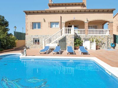 Photo for 3 bedroom Villa, sleeps 6 in Coma-ruga with Pool, Air Con and WiFi