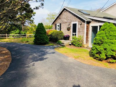 Photo for Coastal Cottage Close to Beach, Town, the Farm Camp & Right Fork Diner  GO FISH!