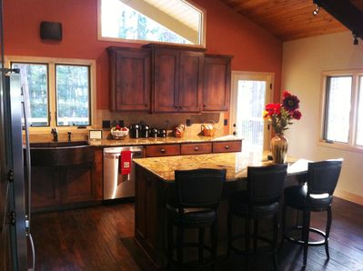 Kitchen Island area, makes for a great buffet for large groups.