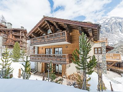 Photo for Unique Ski-In-Ski-Out Chalet Apartment