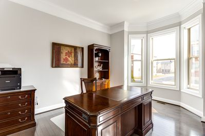 A bright and spacious office to meet your work needs while traveling.