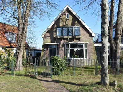 Photo for Family home with lush garden and games room in the heart of artists' town Bergen