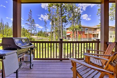 Find your Fraser home-away-from-home in the Eagle Ridge in the Summit community!