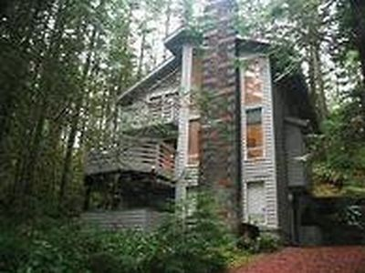 Photo for Vacation home 42SL 3-Story Cabin Close to Skiing in Mount Baker/Glacier - 6 persons, 3 bedrooms