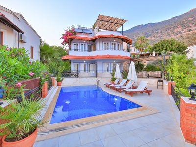 Photo for A recently refurbished 3 bedroom villa with private pool and rooftop terrace