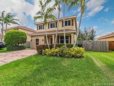 Photo for BEAUTIFUL & Spacious Home! 5/3.5 by Zoo, Miami Speedway, Keys - Groups, Pets OK!