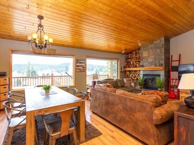 Photo for Amazing Lakeview Cabin!!