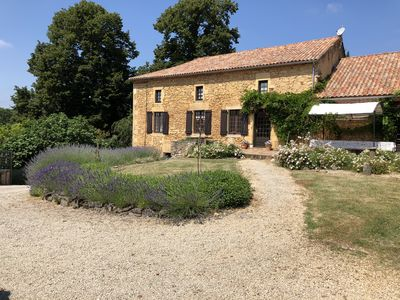 Photo for At the edge of the Dordogne and Lot house with swimming pool and tennis for 14 pers