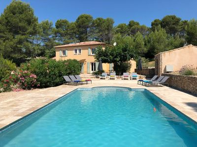Photo for New! Magnificent villa with heated pool near Provençal village