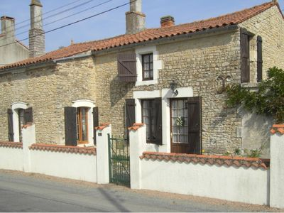 Photo for Traditional, well maintained 4 bedroom house within walking distance of Mareuil.