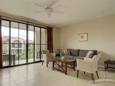 Photo for Spacious 1-bedroom overlooking the pool