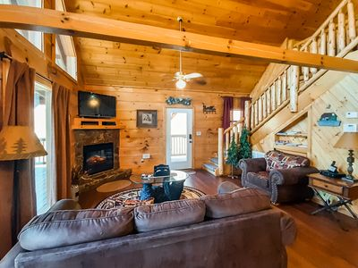 New listing! Family-friendly cabin w/ a private hot tub, loft, & pool table