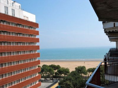 Photo for One bedroom Apartment, sleeps 4 in Lignano Sabbiadoro with Pool and Air Con