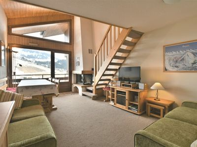 Photo for Cosy duplex apt with stunning views, 3 bedrooms, wifi, sleeps up to 9!