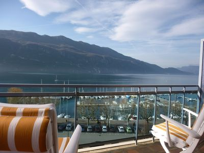 Photo for Lakeside nice 2 rooms 55 m2 with stunning views