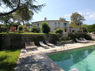 Photo for Fantastic Mougins villa with sea view, heated pool and walkable into village