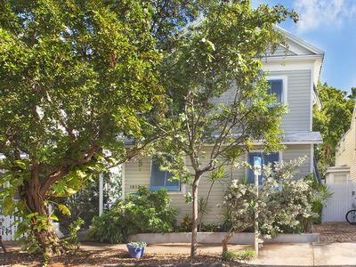 Photo for Beautifully restored 2 bed apartment in historic Old Town neighborhood.