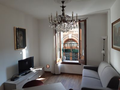 Photo for Ca 'Valeria - A CLASSIC SUNNY 1ST FLOOR VENETIAN HOUSE IN A QUITE AREA