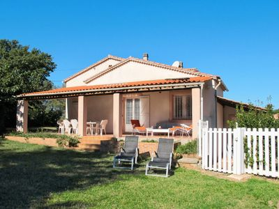 Photo for 5 bedroom Villa, sleeps 8 in Gonfaron with Pool and WiFi