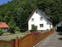 Well equipped three bed house in country location but easily accessible