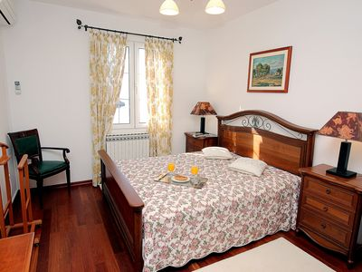 Photo for 1BR Apartment Vacation Rental in Sveti Stefan, Budva Municipality