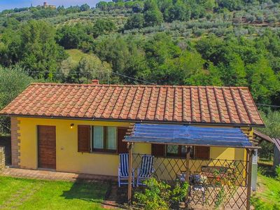 Photo for Agriturismo with swimming pool, close to lake Trasimeno