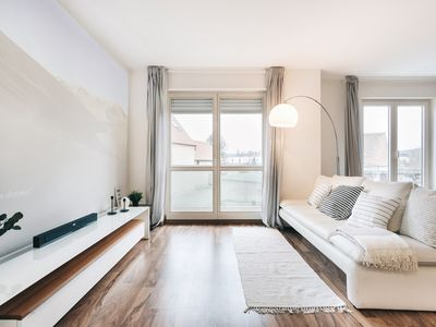 Photo for Modern apartment with home cinema + Netflix in Dresden for up to 4 people