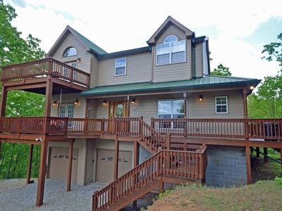Photo for Fontana View Retreat - 4 Bedrooms Sleeps 12