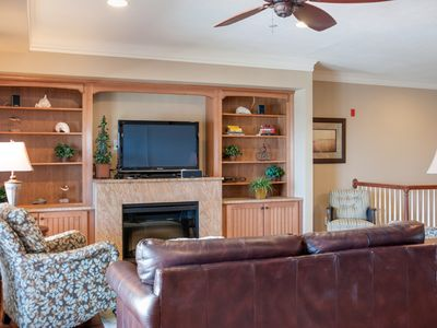 Photo for Gilligans: Leather and Hardwoods Throughout Luxurious Oceanfront Condo