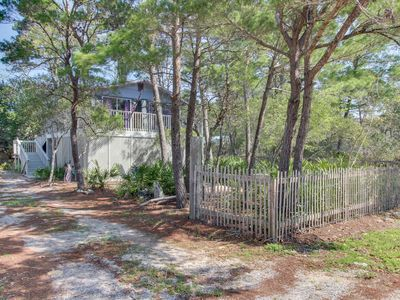 Photo for Adorable home near the beach w/ a full kitchen, furnished deck, & gas grill