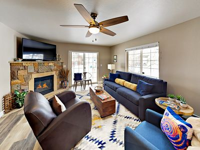 Photo for Updated 2BR Condo w/ Fireplace, Hot Tub & Garage – Walk to Lifts