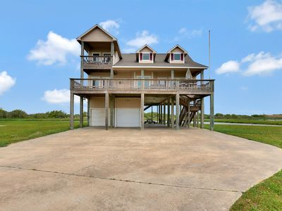 Photo for Family friendly vacation home steps away from Crystal Beach