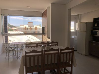Photo for Large apartment in English, near the beach. 2 suites with air. 2 vacancies.