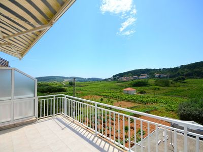 Photo for Apartment Veljko (54171-A2) - Lumbarda - island Korcula