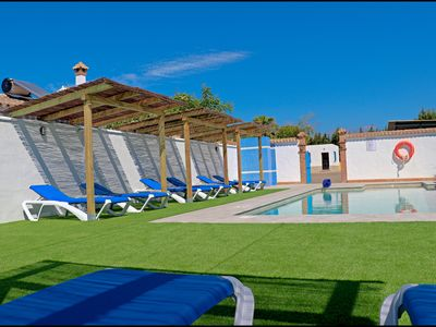 Photo for Bungalow with shared pool and free Wi-Fi